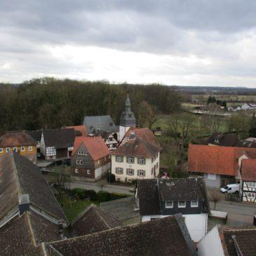 Blick vom Nest ins Dorf